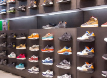 The deal with Nike is part of Amazon's broader push to woo major brands and to make more items Prime-eligible.